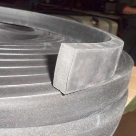 Płaskownik z gumy porowatej 35x15 mm